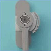 鍵付きの錠に交換