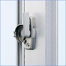 普通の窓の錠